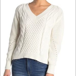 ABOUND Ivory Off White Cable Knit V Neck Sweater